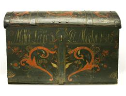 Rosemaled Norwegian immigrant trunk