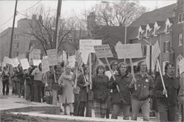Picketers marched in front of the Department of Public Instruction in Madison to show their support for the Hortonville Teachers, April 18, 1974.