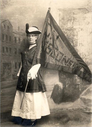 Theodora Youmans holding Wisconsin Flag, 1927.