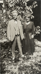 Snapshot of Senator Robert M. La Follette and his wife Belle Case La Follette.