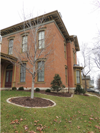 Italianate house